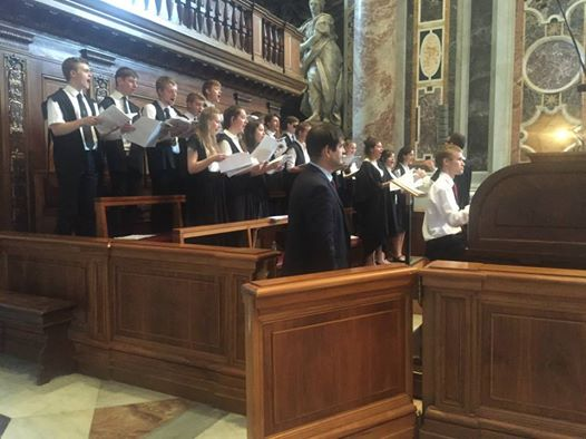 LMH choir performs in Rome, 2015 tour